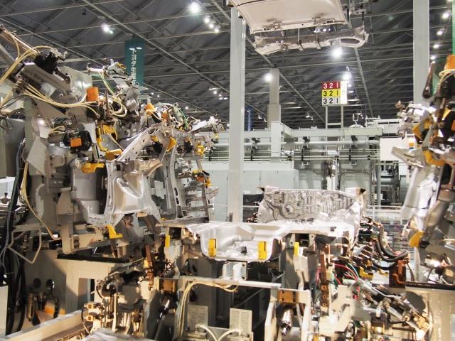 自動車製造メーカーの原価